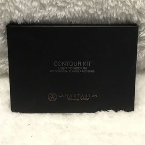 Anastasia Beverly Hills Makeup - NWT ✨ ABH powder contour kit